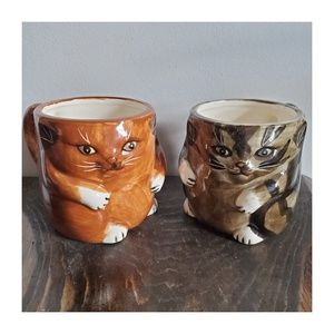Vintage Pair of Cat Mugs
